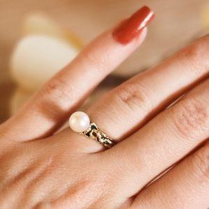 Vintage Genuine Pearl Ring